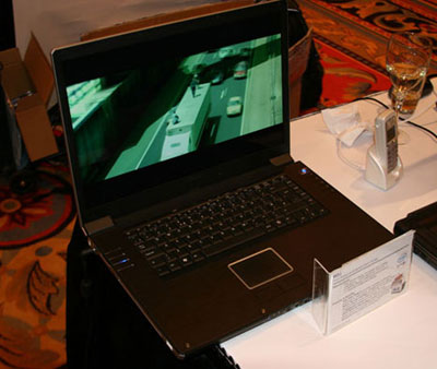 Asus W2J 17-inch Laptop at CES 2006