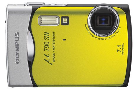 Olympus µ 790 SW in lime green