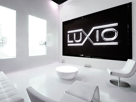 http://www.ubergizmo.com/photos/2007/3/luxio-tv.jpg
