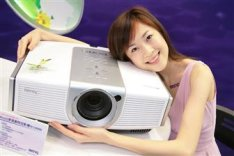 BenQ unveils new W10000 projector