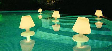 Waterproof lamps float about