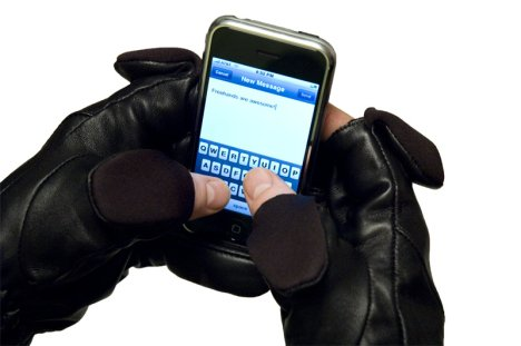 Freehands Gloves Lets You Text During Winter