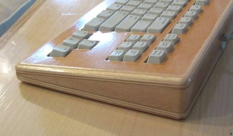 Keyboard wooden enclosure