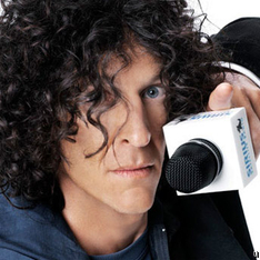 Howard Stern Chooses Blackberry, Proves That Apps Are King For Smartphones
