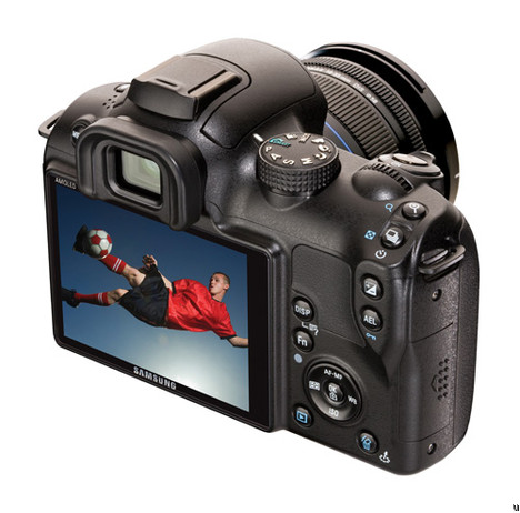 Samsung NX10 DSLR enfin officiel