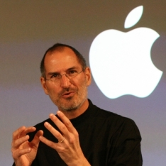 Steve Jobs Claims That 7-inch Tablets Are Too Small To Be Useful