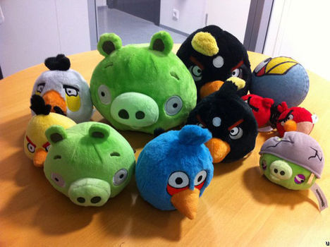 Les cochons rejoignent les peluches Angry Birds - Yes !