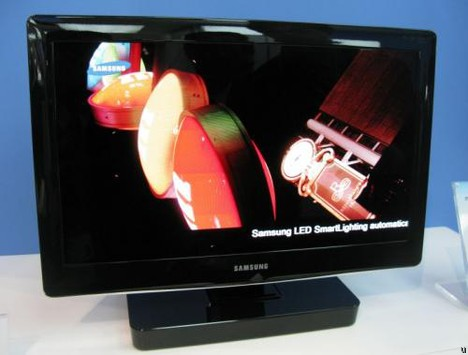 Samsung shows off 19-inch OLED TV prototype