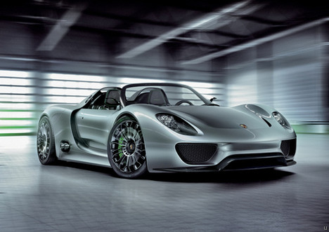 Plug-in electric hybrid Porsche 918 Spyder concept car
