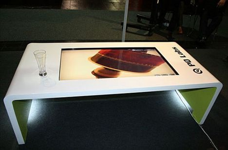 Multi Touch Itable Makes For An Interesting Coffee Table Ubergizmo