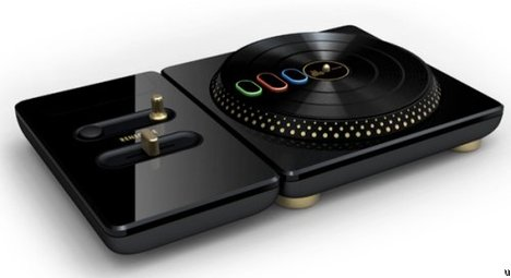 DJ Hero 2 To Offer Party Bundle With Two Turntable Controllers