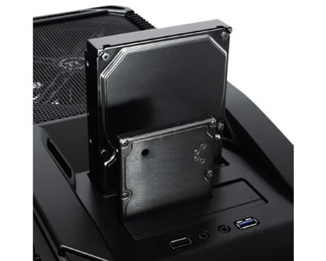 Thermaltake V9 BlacX Edition Casing Offers A Dual Bay Top Docking Station