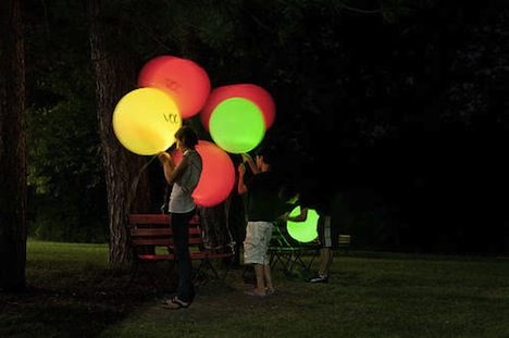 Homemade LED Balloons Let You Know Air Quality
