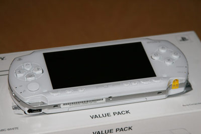 Hands-on: Ceramic White PSP photo gallery